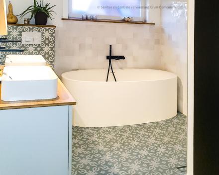 Badkamer totaalrenovatie met 1 hoofdaannemer als aanspreekpunt_Sanitair en Centrale verwarming Kevin Demeulemeestere