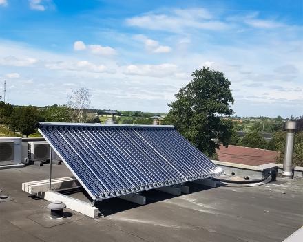 Installatie van een zonneboiler met thermische zonnepanelen door Kevin Demeulemeestere
